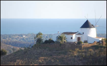 windmill for rent in the Eastern Algarve in Portugal